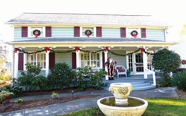 Holiday Home Tour and Artisan Boutique